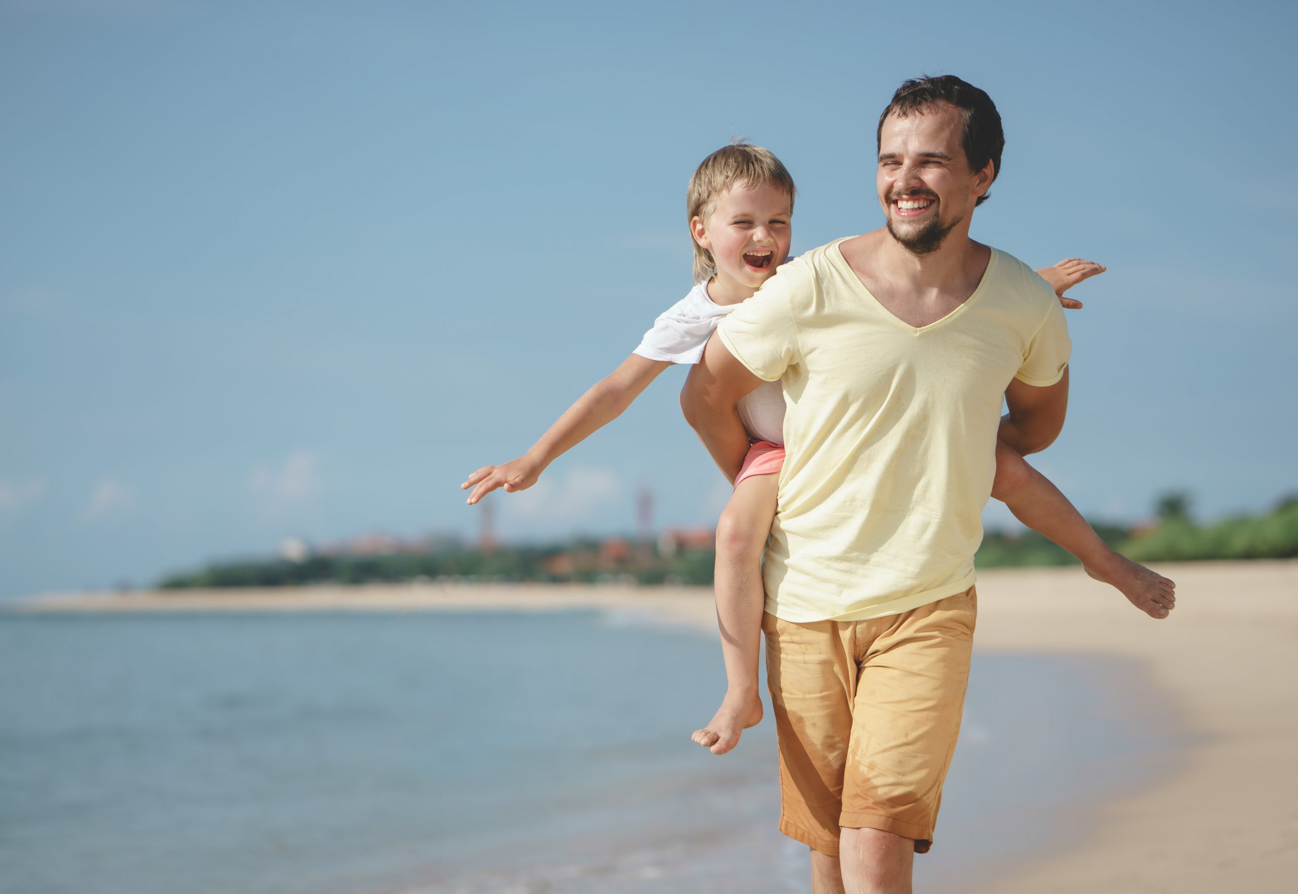 How to Prepare For Your Beach Family Portrait Session