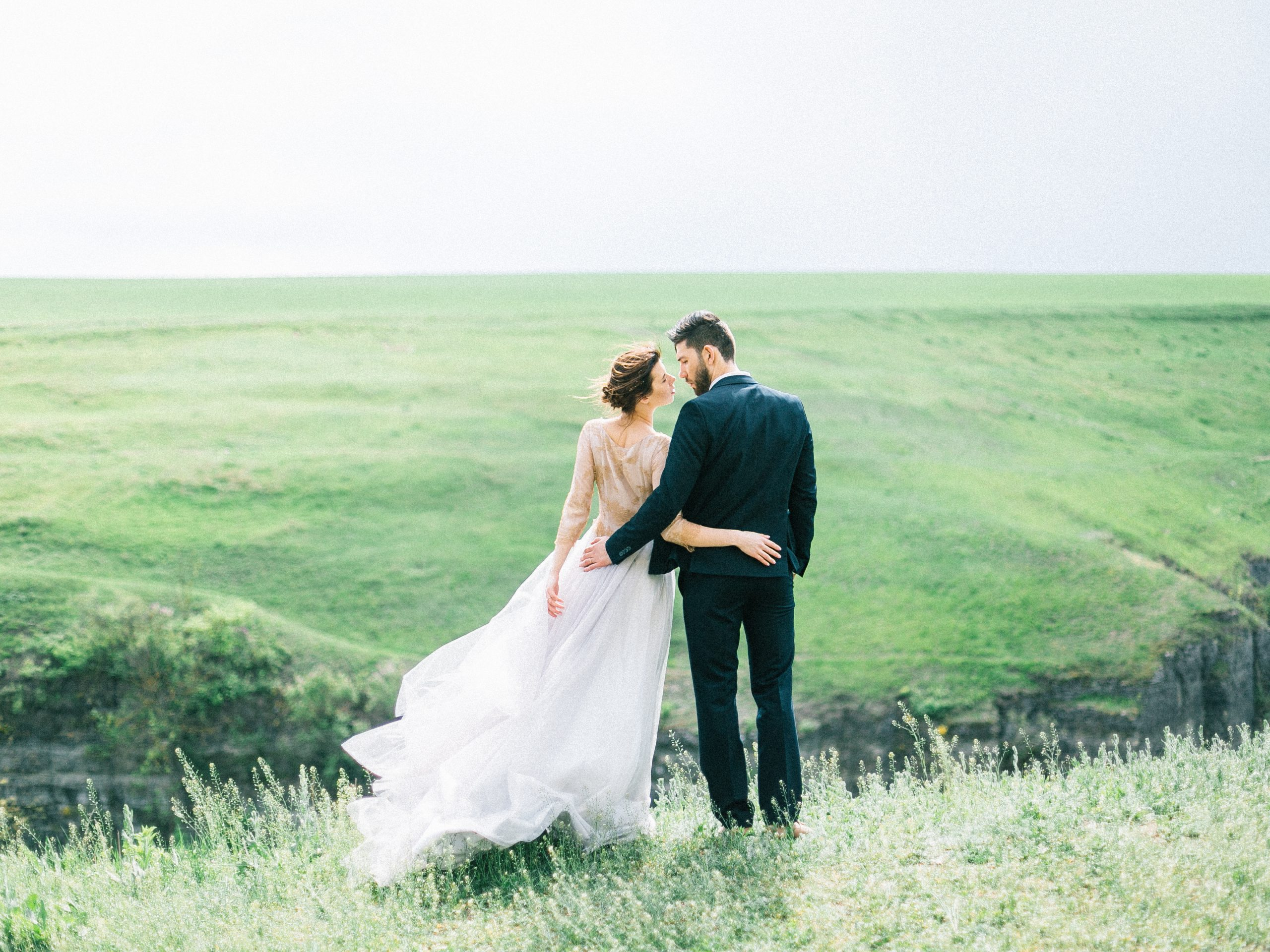 How to Prepare for a Memorable Engagement Photo Shoot